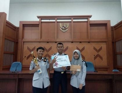 Prestasi STMKG dalam Lomba Karya Tulis Ilmiah Cakrawala Ilmiah 2017 ITS Surabaya