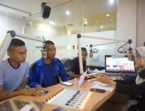 Sukseskan Acara STMKG MENGABDI, Taruna  On Air di Tangerang Radio